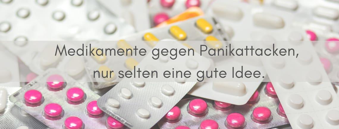 Medikamente gegen Panikattacken - Tabletten in Blisterpackungen
